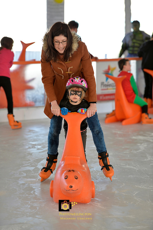 Lily Sarich with her mum Jo-Ella Sarich at the Hutt City - Dowse Square Ice Rink Super Hero Event, Dowse Square, Lower Hutt, New Zealand on Saturday 3 October 2015.<br /> Photo by Masanori Udagawa. www.photowellington.photoshelter.com.