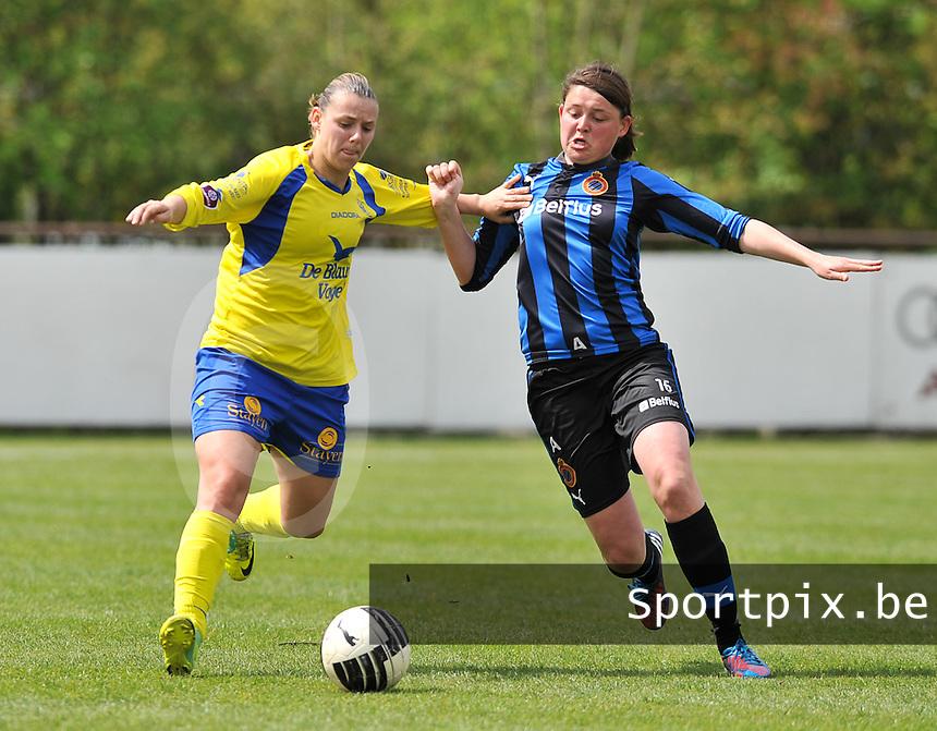 Club Brugge Dames - STVV Sint Truidense VV : duel tussen Sofie Huyghebaert (r) en Dorien Guilliams .foto DAVID CATRY / Nikonpro.be
