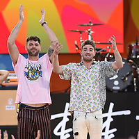 The Chainsmokers Perform on GMA 081018