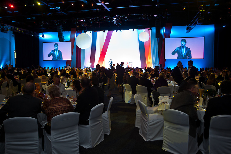 2010 Premiers Food Awards Dinner. Room Shots With Mark Vincent on Stage.