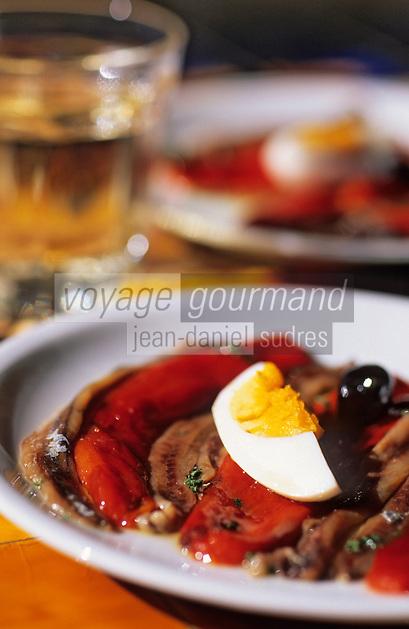 """Europe/France/Languedoc-Roussillon/66/Pyrénées-Orientales/Collioure: café restaurant """"Les Templiers"""", assiette d'anchois marinés et poivrons"""