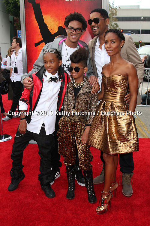"Jaden Smith, Trey Smith, Willow Smith, Will Smith, Jada Pinkett Smith.arrives at ""The Karate Kid"" Movie Premire.Village Theater.Westwood, CA.June 7, 2010.©2010 Kathy Hutchins / Hutchins Photo.."