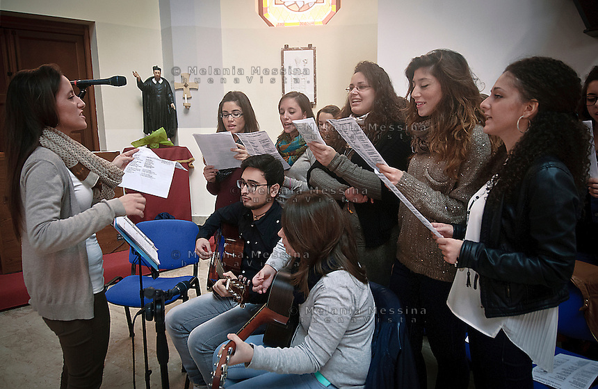 Parrocchia San basilio a Palermo: Il gruppo di giovani che suona durante le messe.<br />