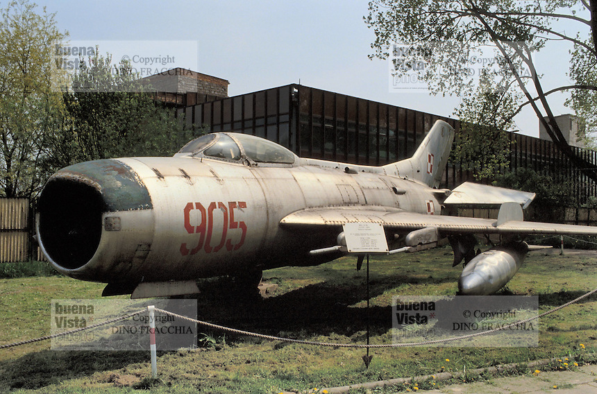 - air museum of Cracovia  (Poland), fighter airplane MIG 19 PM (URSS, 1956)....- museo dell' aeronautica di Cracovia (Polonia), aereo da caccia MIG 19 PM  (URSS, 1956)