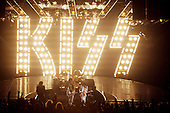 Dec 16, 1987: KISS - Crazy Nights Tour - Sycracuse NJ USA