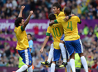 Olympia 2012 London  Fussball  Maenner   29.07.2012 Brasilien - Weissrussland Jubel mit MARCELO, OSCAR, NEYMAR, JUAN JESUS  (v. li., Brasilien)