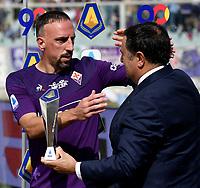 Franck Ribery of Fiorentina receive the award of September Serie A best player from Joe Barone <br /> Firenze 6-10-2019 Stadio Artemio Franchi <br /> Football Serie A 2019/2020 <br /> ACF Fiorentina - Udinese Calcio <br /> Photo Andrea Staccioli / Insidefoto