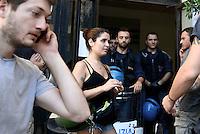 Roma, 21 Luglio 2016<br /> I giovani occupano il municipio V.<br /> Sgomberato all'alba da Polizia e Carabinieri lo studentato occupato Point Break che dal 2009 ha traformato una palazzina abbandonata in via Fortebraccio in una casa per studenti che ha dato un alloggio a centinaia di giovani che non potevano pagare gli alti costi degli affitti a Roma.