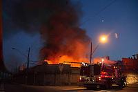 SAO PAULO 04 DE MAIO DE 2013  - Incendio de grandes proporcoes atingiu o bairro do Ipiranga, um galpao que estocava materias da empresa Linhas Corrente pegou fogo na tarde desse sabado, (4). A empresa fica na Rua do Manifesto  no bairro do Ipiranga. FOTO. AMAURI NEHN / BRAZIL PHOTO PRESS