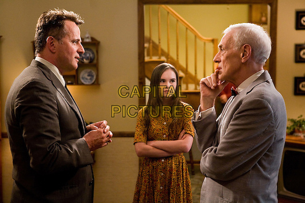 AIDAN QUINN, MADELINE CARROLL & JOHN MAHONEY.in Flipped.*Filmstill - Editorial Use Only*.CAP/FB.Supplied by Capital Pictures.