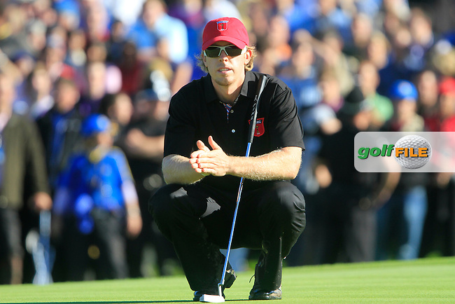 Hunter Mahan lines up his putt on the 16th green in Match 12 of the Singles Matches during the Final Day of the The 2010 Ryder Cup at the Celtic Manor, Newport, Wales, 3rd October 2010..(Picture Eoin Clarke/www.golffile.ie)
