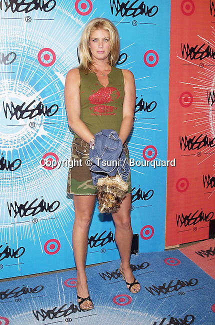 Rachel Hunter arriving at the party for the lauch of spring season and benefit for the Elizabeth Glazer Foundation  3/22/2001    © TsuniHunterRachel03.JPG