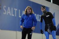SCHAATSEN: SALT LAKE CITY: Utah Olympic Oval, 13-11-2013, Essent ISU World Cup, training, Peter Mueller (trainer/coach Team CBA), Tyler Derraugh (CAN), ©foto Martin de Jong