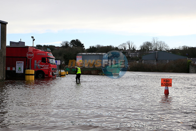 The river Boyne, in Drogheda, which burst its banks flooding large areas of the town flooding shops and office and storage areas and causing total gridlock around the town as roads were flooded.<br /> Picture: Fran Caffrey www.newsfile.ie