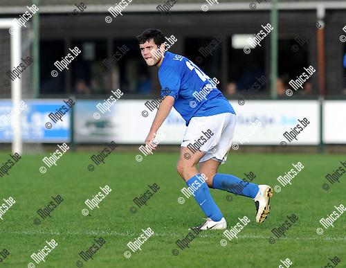 2012-10-07 / Voetbal / seizoen 2012-2013 / Vosselaar / Jonas Thys..Foto: Mpics.be