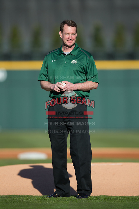 Charlotte 49ers men's basketball head coach Mark Price prepares to throw out a ceremonial first pitch prior to the game against the North Carolina State Wolfpack at BB&T Ballpark on March 31, 2015 in Charlotte, North Carolina.  The Wolfpack defeated the 49ers 10-6.  (Brian Westerholt/Four Seam Images)