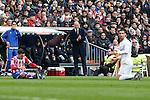 Real Madrid´s coach Zidane during 2015/16 La Liga match between Real Madrid and Sporting de Gijon at Santiago Bernabeu stadium in Madrid, Spain. January 17, 2015. (ALTERPHOTOS/Victor Blanco)