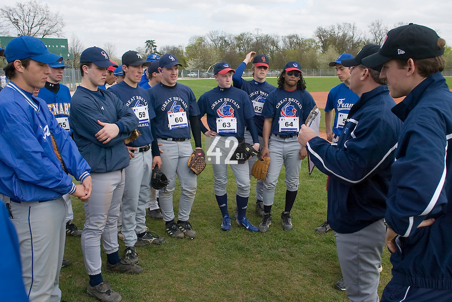 18 April 2006: MLB representative talks to the players during the third of seven 2006 MLB European Academy Try-out Sessions throughout Europe, at Stade Pershing, INSEP, near Paris, France. Try-out sessions are run by members of the Major League Baseball Scouting Bureau with assistance from MLBI staff.