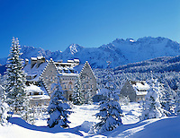 Germany, Bavaria, Upper Bavaria, Werdenfelser Land: Kranzbach castle and Karwendel Mountains