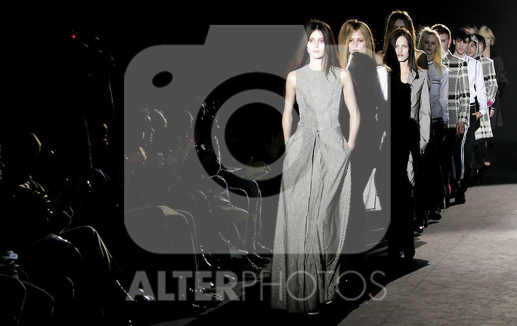 A model wearing a David Delfin outfit during Madrid fashion week Pasarela Cibeles fall/winter 2007 in Madrid, Wednesday February 14, 2007. (ALTERPHOTOS/Alvaro Hernandez).