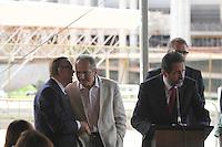 BRASILIA,DF,28 JANEIRO 2013 - VISTORIA ESTADIO MANÉ GARRINCHA -   O  governador do Distrito Federal Agnelo Queiros,José Maria Marin,o ministro dos esporte Aldo Rebelo,  darurante entrevista coletiva depois de vistoriar as obras do Estadio Mané Garrincha em Brasilia.FOTO ALE VIANNA - BRAZIL PHOTO PRESS.