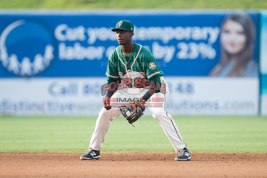 Greensboro Grasshoppers shortstop Javier Lopez (16) on defense against the Hagerstown Suns at NewBridge Bank Park on May 20, 2014 in Greensboro, North Carolina.  The Grasshoppers defeated the Suns 5-4. (Brian Westerholt/Four Seam Images)
