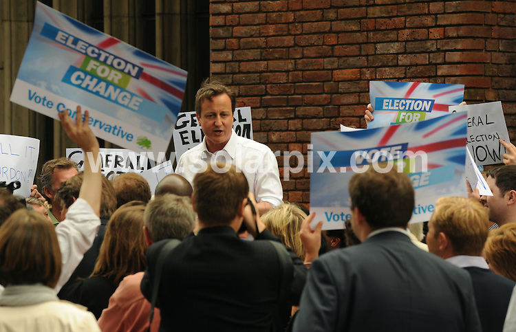 **ALL ROUND PICTURES FROM SOLARPIX.COM**.**WORLDWIDE SYNDICATION RIGHTS**.Leader of Britain's Conservative Party David Cameron during a rally in Hammersmith,West London , on the Eve of the Local Elections..JOB REF:  9143   DBL     DATE:  03.06.09.**MUST CREDIT SOLARPIX.COM OR DOUBLE FEE WILL BE CHARGED**.**ONLINE USAGE FEE GBP 50.00 PER PICTURE - NOTIFICATION OF USAGE TO PHOTO @ SOLARPIX.COM**.**CALL SOLARPIX : +34 952 811 768 or LOW RATE FROM UK 0844 617 7637**