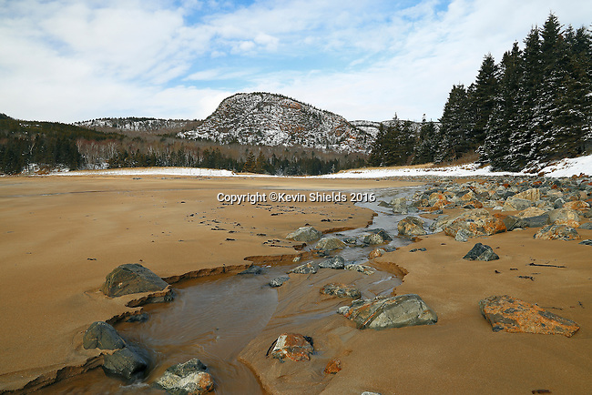 The Beehive seen from Sand Beach, Acadia National Park, Maine, USA