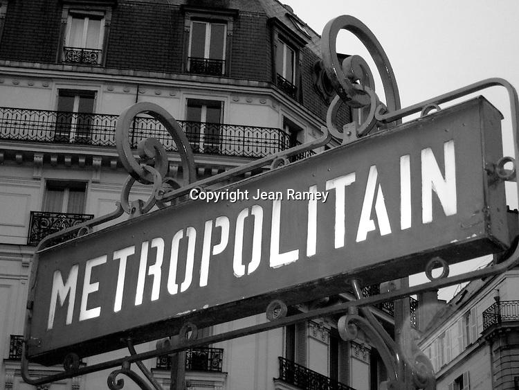 Classic Metro sign