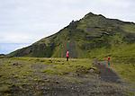 le 18 aout 2013, promeneurs à Skogar en islande. the 18th August 2013, walkers at Skogar in iceland.