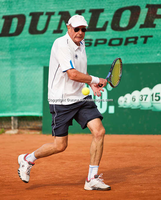 Netherlands, Amstelveen, August 21, 2015, Tennis,  National Veteran Championships, NVK, TV de Kegel,  Men's 70+, Hans Bronkhorst<br /> Photo: Tennisimages/Henk Koster