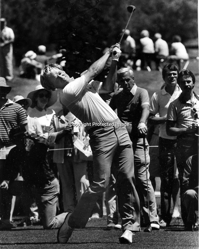 Johnny Miller hits his Tee shot at Pebble Beach <br />