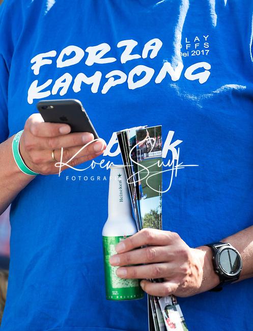 UTRECHT -  T shirt  Forza , finale van de play-offs om de landtitel tussen de heren van Kampong en Amsterdam (3-1). COPYRIGHT  KOEN SUYK