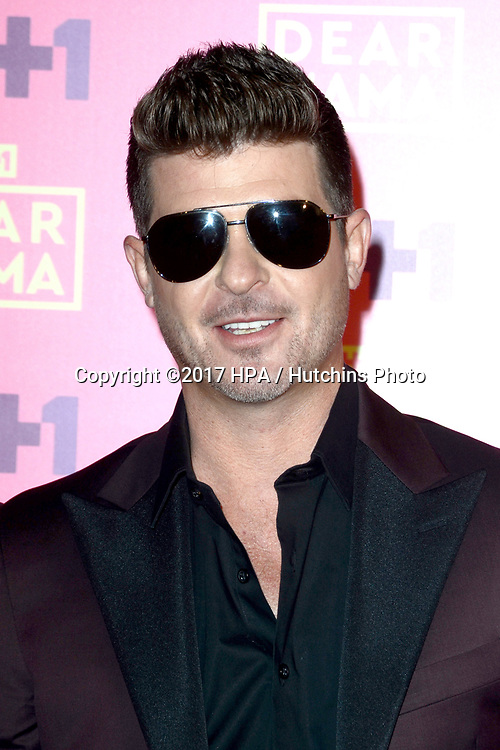LOS ANGELES - MAY 6:  Robin Thicke at the VH1`s 2nd Annual Dear Mama: An Event To Honor Moms on the Huntington Library on May 6, 2017 in Pasadena, CA