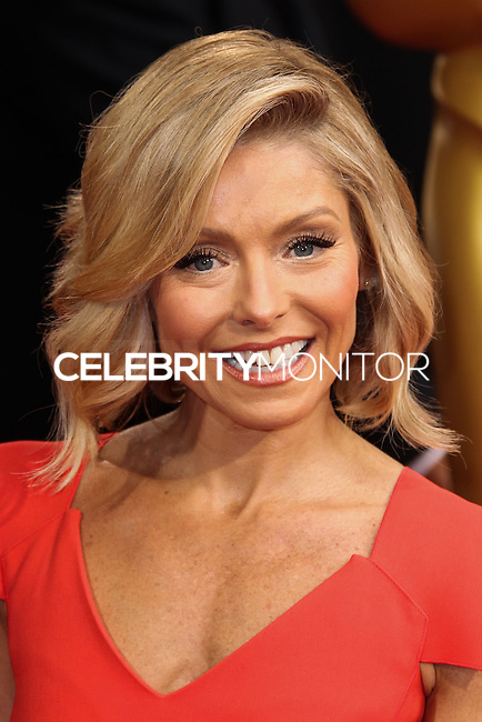 HOLLYWOOD, LOS ANGELES, CA, USA - MARCH 02: Kelly Ripa at the 86th Annual Academy Awards held at Dolby Theatre on March 2, 2014 in Hollywood, Los Angeles, California, United States. (Photo by Xavier Collin/Celebrity Monitor)