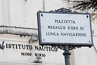 """L'Istituto Nautico """"Nino Bixio"""", dove ha studiato Schettino."""