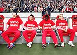 Nederland, Amsterdam, 2 mei 2012.Eredivisie.Seizoen 2011-2012.Ajax-VVV.Spelers van Ajax hebben een shirt aan met de teksten: 'animo bruno' en 'sterkte bruno'. Deze tekst ondersteunt Bruno Silva van Ajax, met zijn langdurige blessure waarmee hij momenteel kampt.