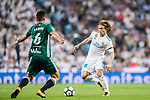 Luka Modric of Real Madrid  (R) fights for the ball with Fabian Ruiz Pena of Real Betis (L) during the La Liga 2017-18 match between Real Madrid and Real Betis at Estadio Santiago Bernabeu on 20 September 2017 in Madrid, Spain. Photo by Diego Gonzalez / Power Sport Images