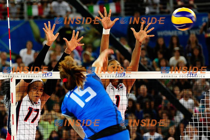 Italia vs Rep. Dominicana<br /> 15 Antonella Del Core ITA<br /> 17 Gina Altagracia Mambru Casilla DOM<br /> 1 Annerys Victoria Vargas Valdez DOM<br /> FIVB Volleyball Women's World Championship Italy 2014 <br /> Rome 25-09-2014 Palaeur Foto F.Pasquali/Insidefoto