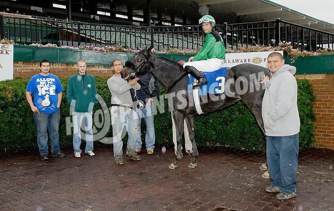 Whatsnottolike winning at Delaware Park on 10/15/12