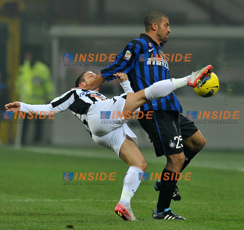 "Walter SAMUEL (Inter), Gabriel TORJE (Udinese).Milano 3/12/2011 Stadio ""Giuseppe Meazza"".Serie A 2011/2012.Football Calcio Inter Vs Udinese.Foto Insidefoto Alessandro Sabattini."