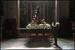 Preparativi in Duomo per la Processione del Venerdì Santo delle Confraternite di Savona.