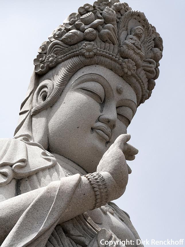 Buddha-Statue Harsu Gwaneum Daebul, Tempel Haedong Yonggungsa, Busan, Gyeongsangnam-do, S&uuml;dkorea, Asien<br /> Buddha-Statue Harsu Gwaneum Daebul, buddhist temple Haedong Yonggungsa, Busan,  province Gyeongsangnam-do, South Korea, Asia