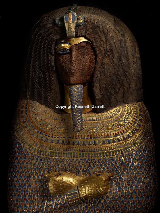 mm7864; 18th Dynasty; New Kingdom; Egypt; The Egyptian Museum; Cairo; KV55, coffin, Akhenaten, gold