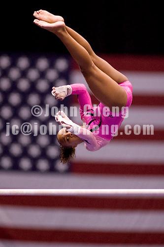 8/19/06 -- Photo by John Cheng -- VISA Championships Women Jr - Kytra Hunter (Hill's Gymnastics)