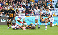 Leicester Tigers' Will Spencer is tackled by Wasps' Michael Le Bourgeois and releases to ball to with team-mate Ben Youngs <br /> <br /> Photographer Stephen White/CameraSport<br /> <br /> Gallagher Premiership - Wasps v Leicester Tigers - Sunday 16th September 2018 - Ricoh Arena - Coventry<br /> <br /> World Copyright &copy; 2018 CameraSport. All rights reserved. 43 Linden Ave. Countesthorpe. Leicester. England. LE8 5PG - Tel: +44 (0) 116 277 4147 - admin@camerasport.com - www.camerasport.com