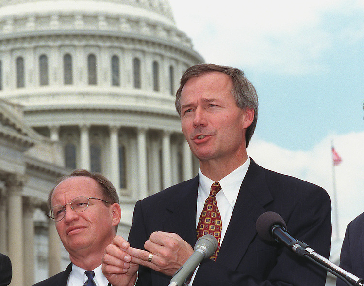 8-4-89.CAMPAIGN FINANCE--Asa Hutchinson,R-Ark., during a press conference on campaign finance reform..CONGRESSIONAL QUARTERLY PHOTO BY DOUGLAS GRAHAM