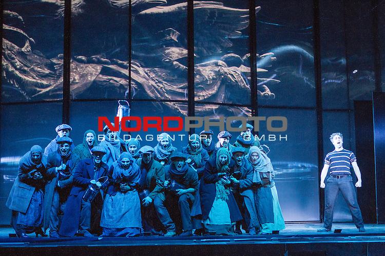 25.03.2015, Deutsches Theater, Muenchen, GER, Musical, Elisabeth im Deutschen Theater, im Bild Luigi Lucheni (Michael Souschek) mit Cast<br /> <br />  Foto &copy; nordphoto / Straubmeier