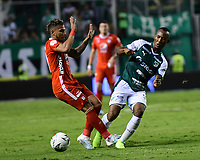 PALMIRA - COLOMBIA, 20-11-2019: Andres Balanta del Cali disputa el balón con Duvan Vergara de America durante partido entre Deportivo Cali y América de Cali por la fecha 4, cuadrangulares semifinales, de la Liga Águila II 2019 jugado en el estadio Deportivo Cali de la ciudad de Palmira. / Andres Balanta of Cali vies for the ball with Duvan Vergara of America during match between Deportivo Cali and America de Cali for the date 4, quadrangulars semifinals, as part of Aguila League II 2019 played at Deportivo Cali stadium in Palmira city. Photo: VizzorImage / Nelson Rios / Cont