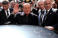 Silvio Berlusconi saluta la gente prima di salire in macchina<br /> Silvio Berlusconi waves at people <br /> Roma 12-03-2016 Gazebo di Largo Goldoni. Gazebarie del centro destra per valutare il gradimento del candidato proprosto a Sindaco di Roma.<br /> Gazebo at Largo Goldoni. Primary elections of the Centre-right party for the local elections of the Mayor of Rome.<br /> Photo Samantha Zucchi Insidefoto